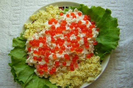 Салат с крабовыми палочками по-царски