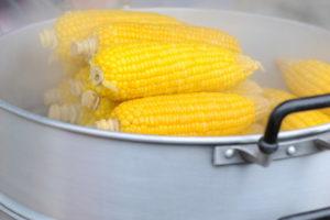 как варить кукурузу7