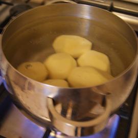 Сколько варить картошку4