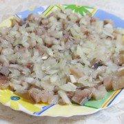 seledka-pod-shuboj-klassicheskij-salat11-180x180